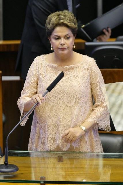 Dilma discursa na cerimônia de posse em 1º de janeiro, em Brasília. O look é da estilista Juliana Pereira. Sergio Lima/Folhapress