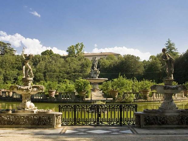 O Giardini di Boboli, em Florença, tem vegetação em formatos geométricos. Crédito: Reprodução