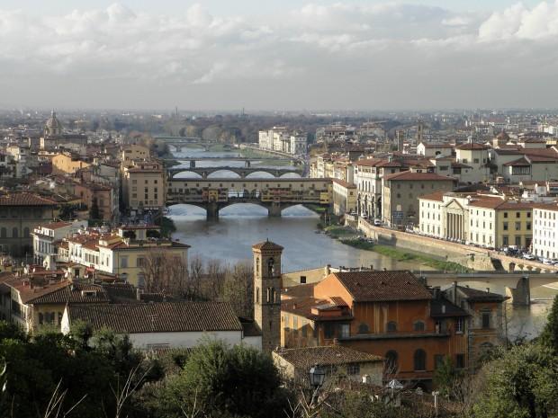 A cidade de Florença, na Itália, concentra as fábricas de acessórios de grifes como Dior, Prada e Gucci. Crédito: Reprodução