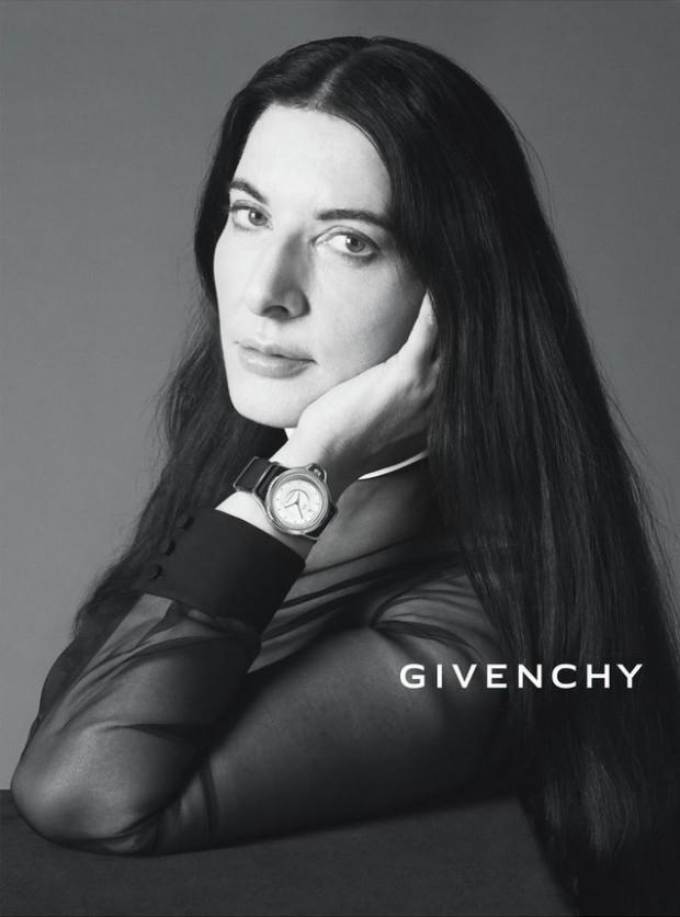 A artista sérvia Marina Abramovic em campanha de verão 2013 da grife Givenchy. Divulgação