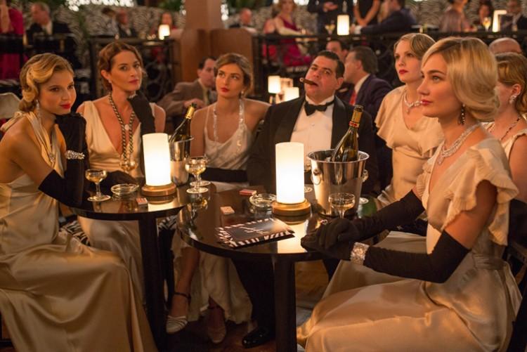 """Cena de """"Café Society"""", de Woody Allen. As joias são todas da grife Chanel. Crédito: Divulgação"""